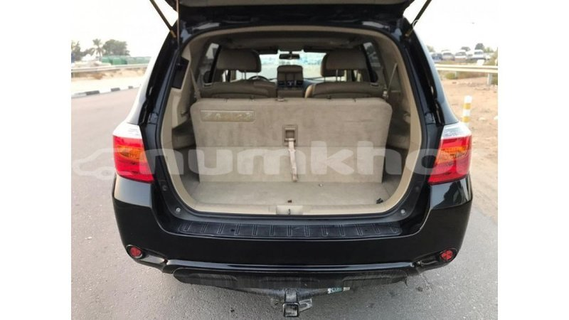 Big with watermark toyota highlander bumthang import dubai 2038