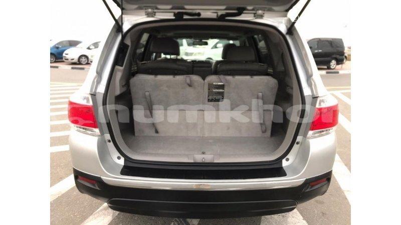Big with watermark toyota highlander bumthang import dubai 2064