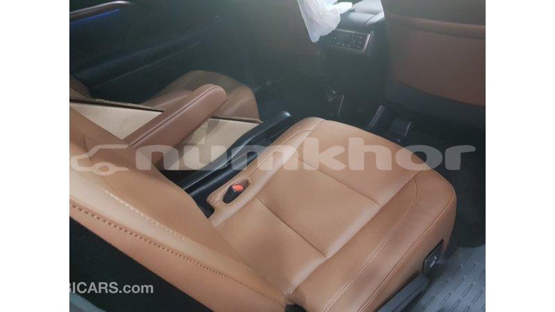 Big with watermark toyota highlander bumthang import dubai 2177