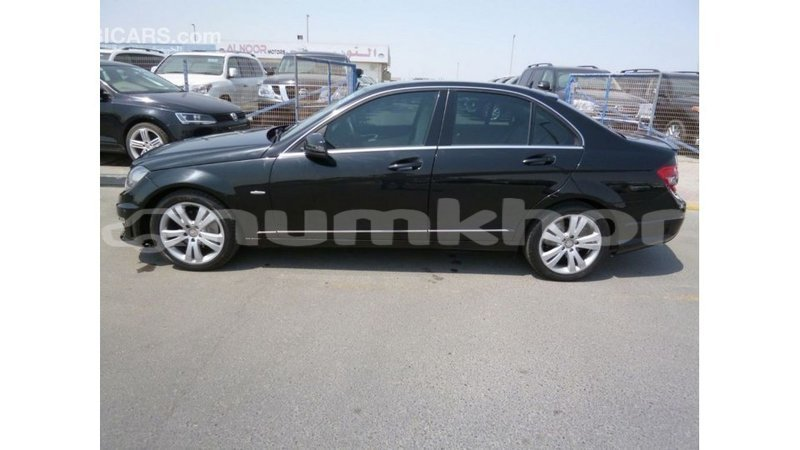 Big with watermark mercedes benz 200 bumthang import dubai 2552