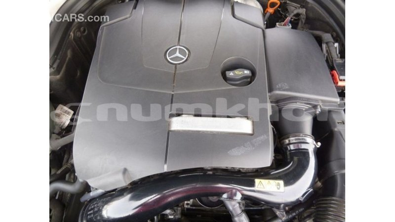 Big with watermark mercedes benz 190 bumthang import dubai 2723