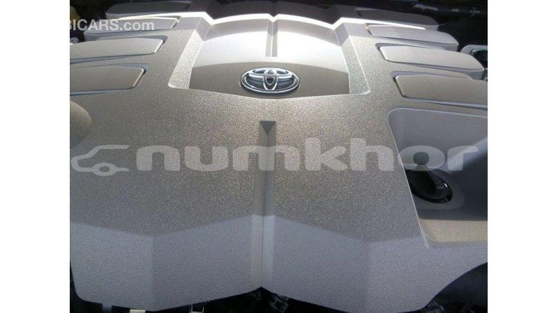 Big with watermark toyota land cruiser bumthang import dubai 2908