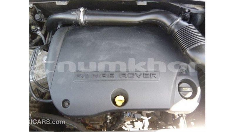 Big with watermark land rover range rover bumthang import dubai 3046