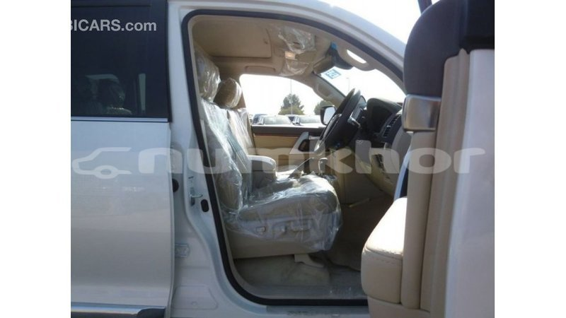 Big with watermark toyota land cruiser bumthang import dubai 3050