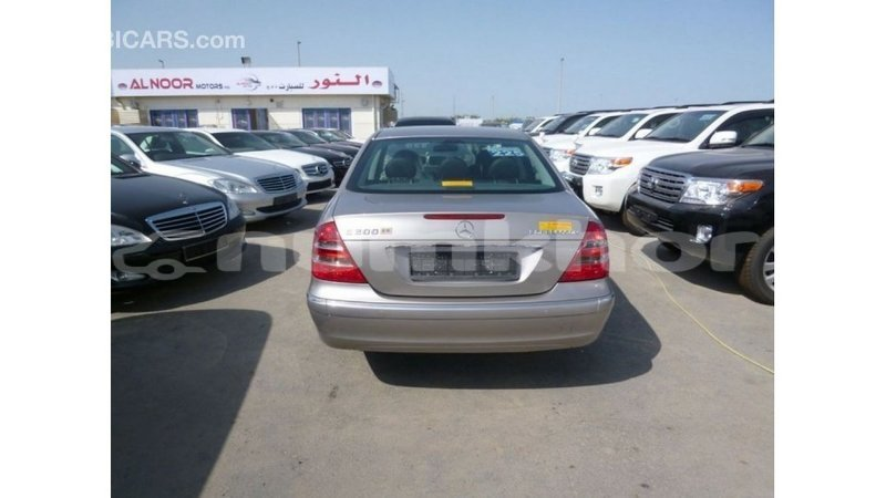 Big with watermark mercedes benz 200 bumthang import dubai 3057