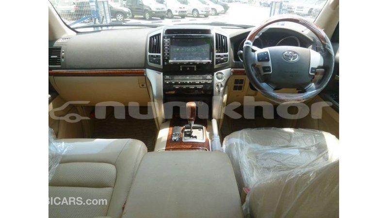 Big with watermark toyota land cruiser bumthang import dubai 3112