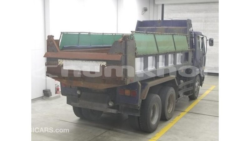 Big with watermark nissan evalia bumthang import dubai 4085