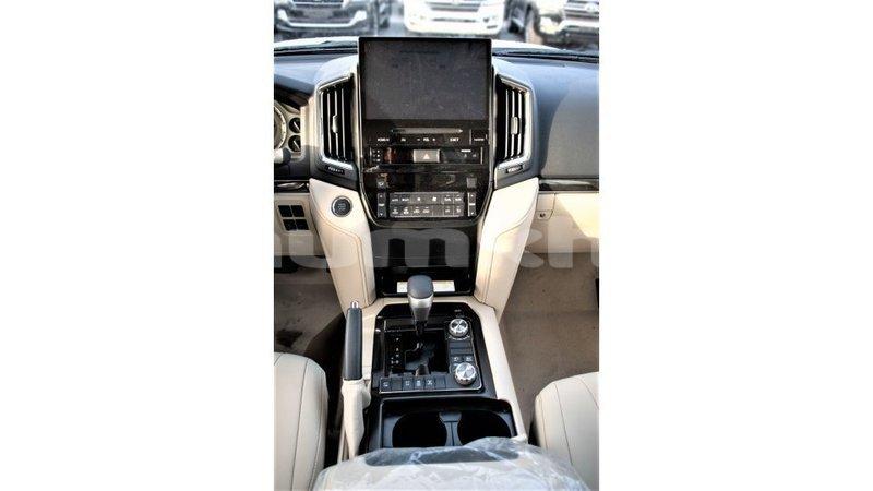 Big with watermark toyota land cruiser bumthang import dubai 4126