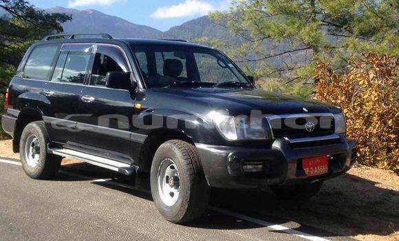 Buy Used Toyota Land Cruiser Black Car in Thimphu in Timphu