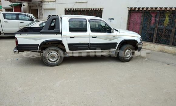 Buy Used Toyota Hilux White Car in Thimphu in Timphu